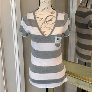 NWOT Abercrombie & Fitch Soft Tee!!